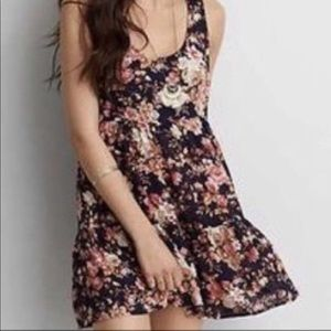 American Eagle tiered floral dress Sz M